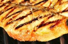 Salmón a la parrilla marinado en miso con cítricos