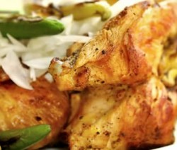 Pollo asado en escabeche de jalapeños y verduras