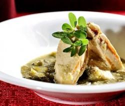 Pechugas de pollo en salsa verde con verdolagas