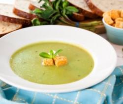 Sopa de Calabacitas con crutones al Parmesano